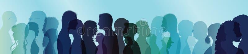 谈的人群 社区计算机概念生成了全球图象人联系 在人之间的对话 色的剪影外形 多重曝光 库存照片