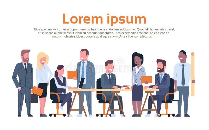 谈论的小组商人运作的激发灵感,一起坐在书桌的买卖人队新的想法 向量例证