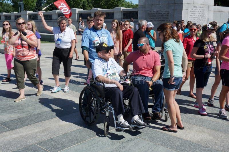 谈话与WWII退伍军人 免版税库存照片