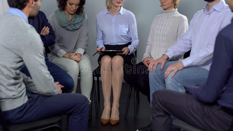 谈话人的出席疗期和,心理支持 库存照片