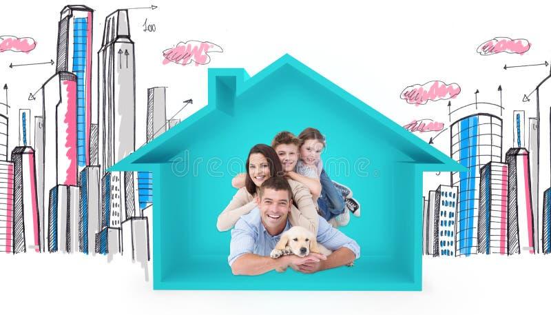说谎在彼此顶部的愉快的家庭的综合图象与狗 库存图片