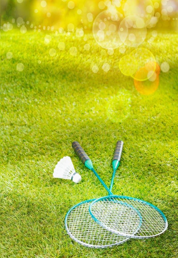羽毛球球拍和shuttlecock 库存图片