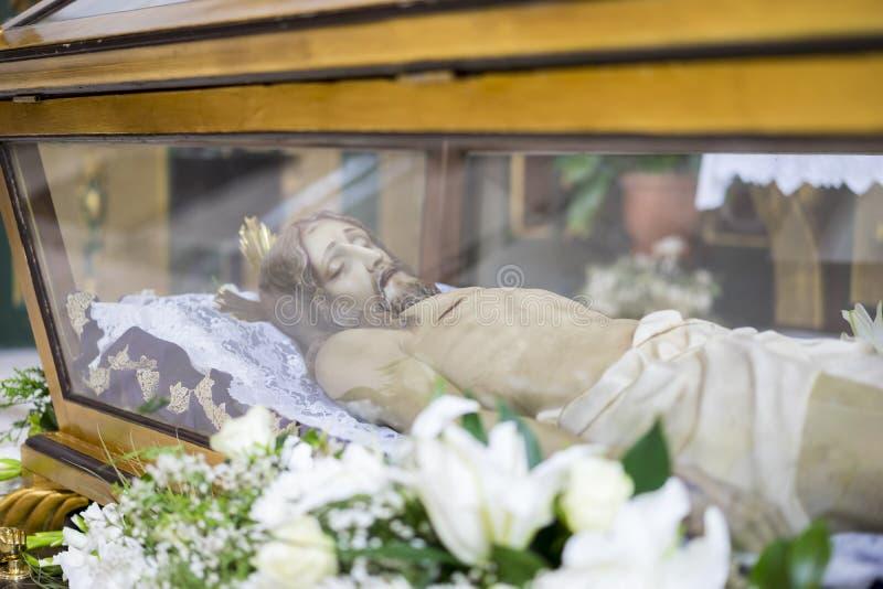 说谎的耶稣基督贞女和稀土的圣周在西班牙,图象 图库摄影