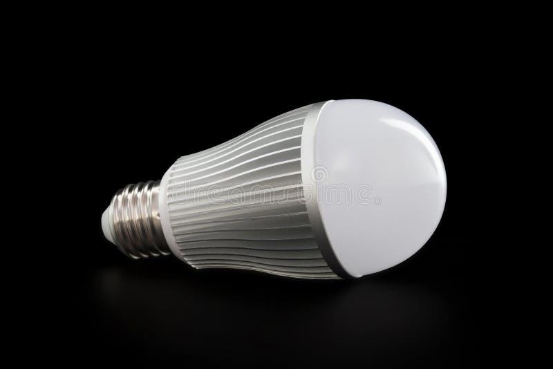 说谎的LED E27电灯泡 免版税图库摄影