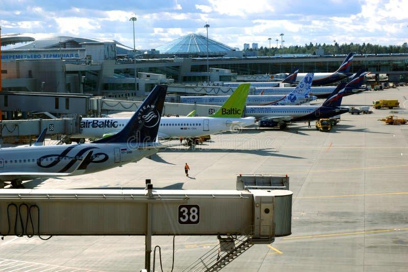 谢列梅捷沃国际机场IATA:SVO,ICAO:UUEE是位于希姆基国际机场,莫斯科州,俄罗斯 S 免版税图库摄影