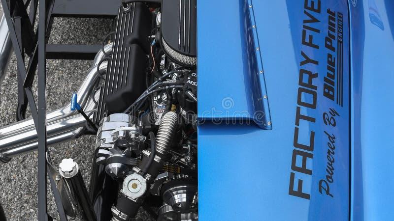 谢尔比眼镜蛇427在显示的切面图引擎 库存照片