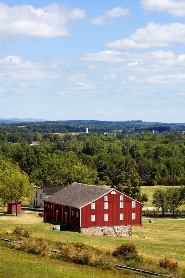 谷仓被集中的gettysburg宾夕法尼亚红色垂直 库存照片