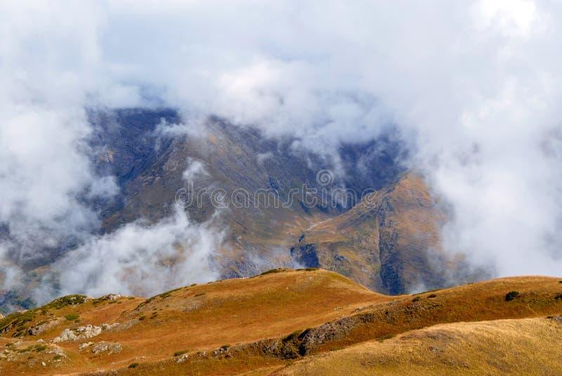 谷的看法从山的顶端 免版税库存图片