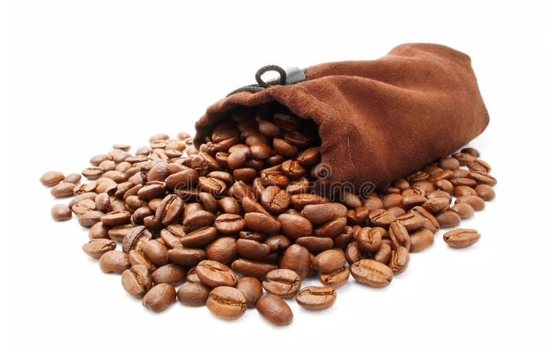 豆咖啡查出的大袋白色 免版税库存图片