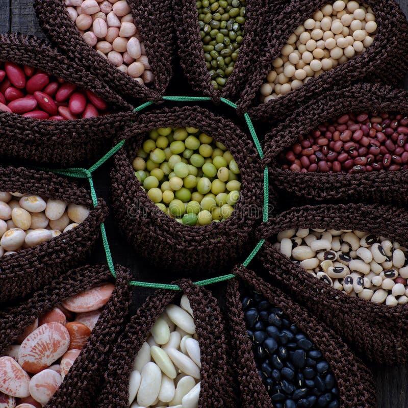 豆,纤维食物的汇集做心脏健康 免版税图库摄影