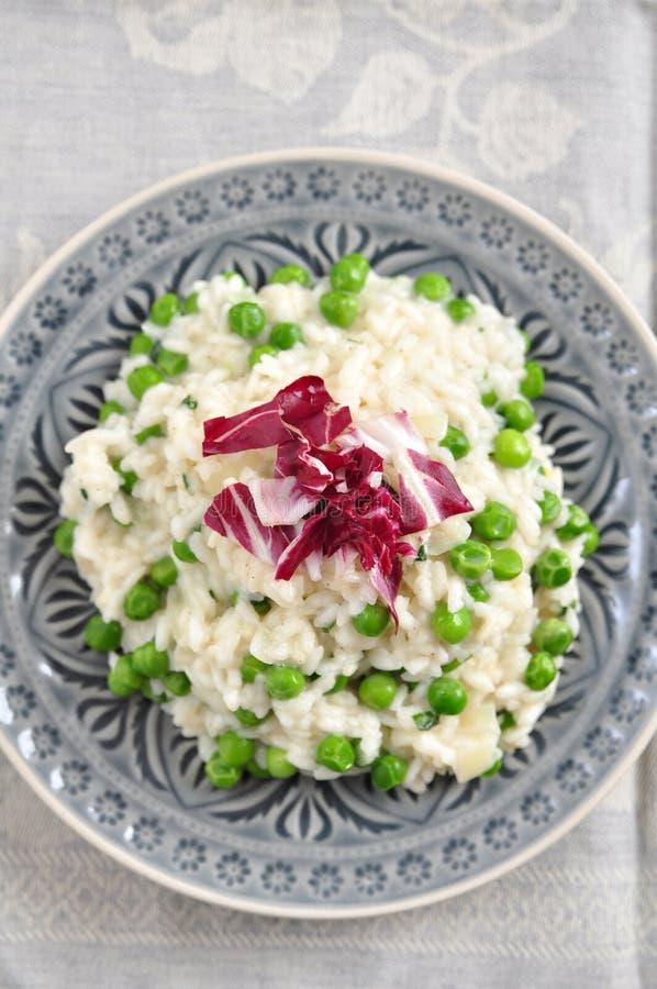 豌豆意大利煨饭 免版税图库摄影