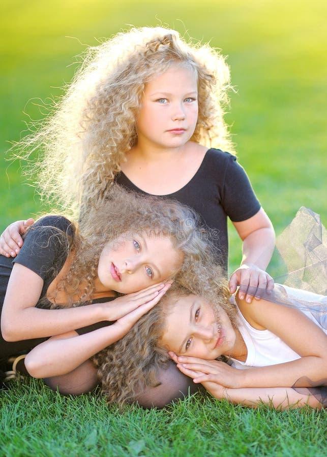 画象三个美丽的女孩 库存图片