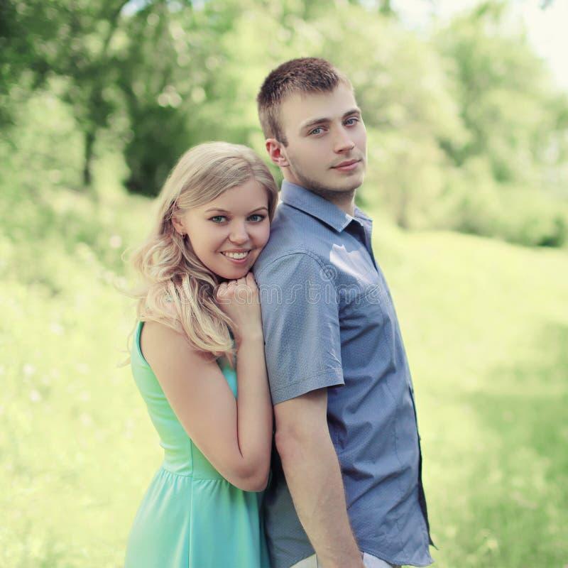 画象可爱的年轻夫妇 免版税库存照片