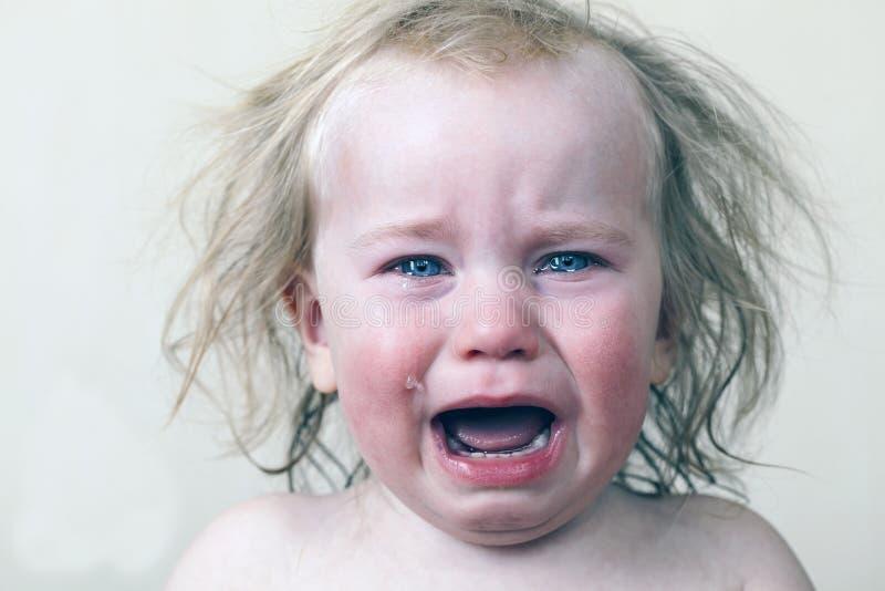 画象小婴孩哭泣的泪花情感地 免版税库存照片