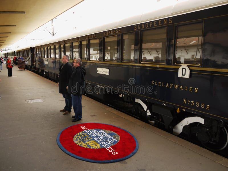 豪华东方快车火车在布拉格 免版税库存图片