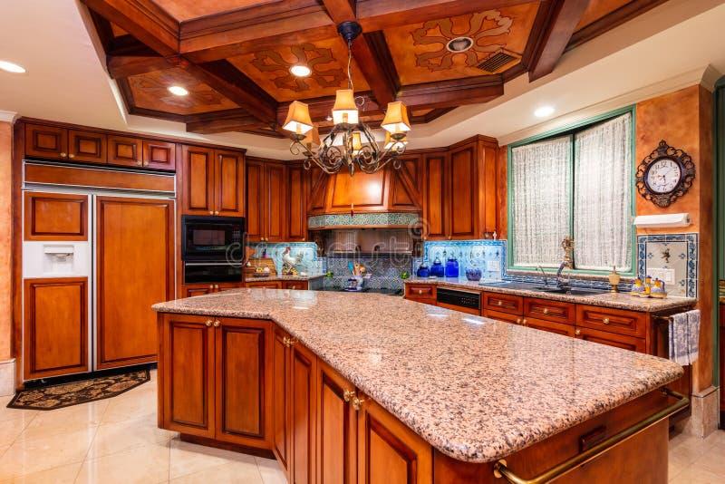 豪华厨房设计 免版税库存照片
