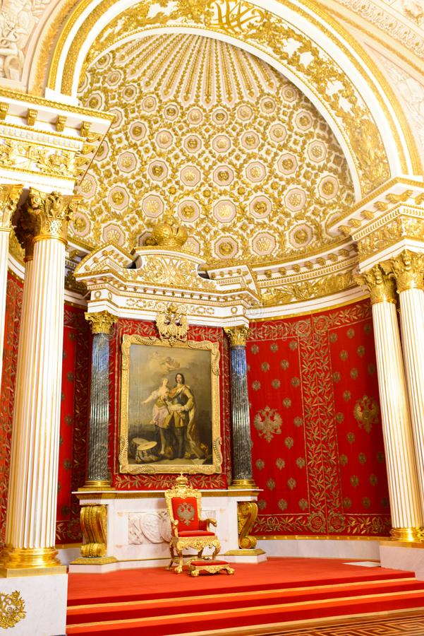 豪华大厅在宫殿 库存照片