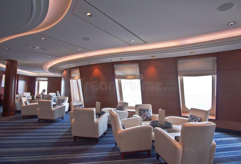 豪华巡航划线员的亲密的典雅的休息室 免版税库存照片