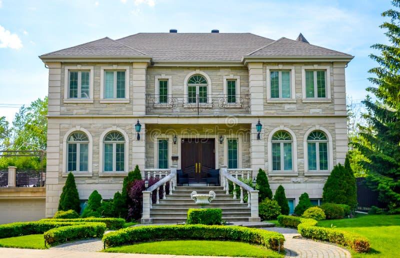 豪华房子在蒙特利尔,加拿大 免版税库存图片
