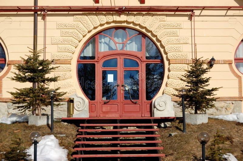 豪华旅馆的入口Strbske的Pleso 库存图片