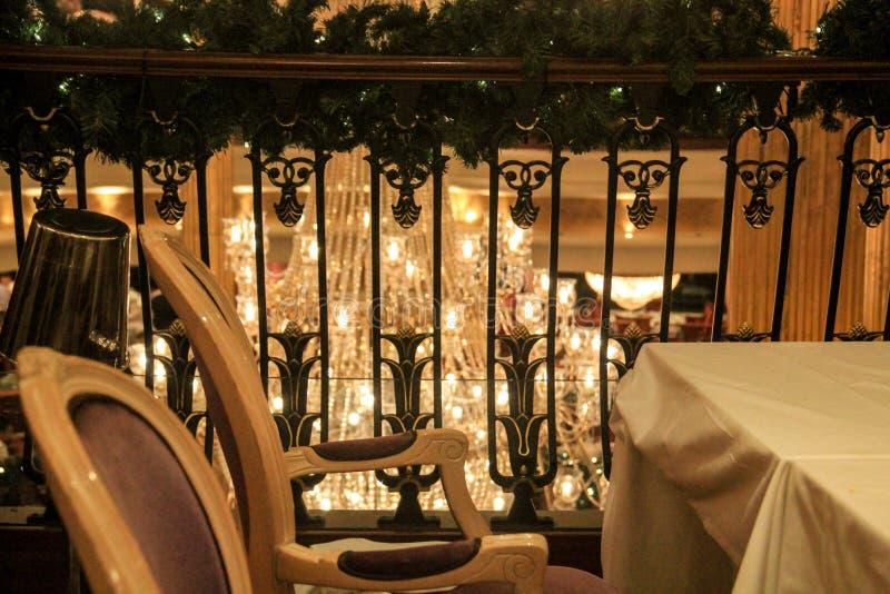 豪华游轮的主要餐厅 免版税库存图片