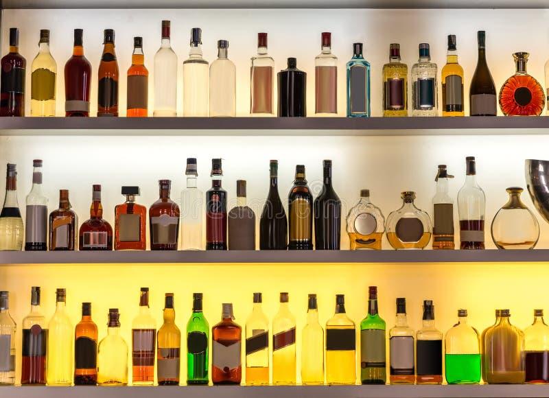 豪华酒精酒吧,鸡尾酒的饮料 库存照片