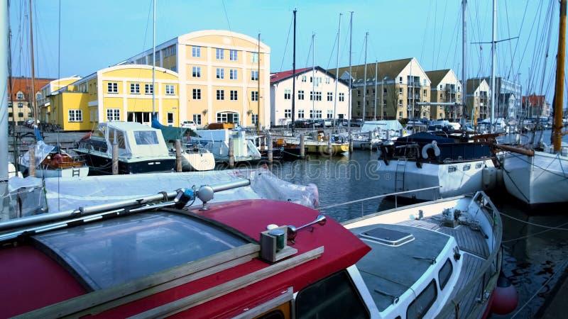 豪华风船在Nyhavn港口,哥本哈根水运输,斯堪的纳维亚语 免版税图库摄影