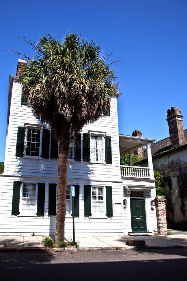 豪宅南部的白色 免版税库存图片