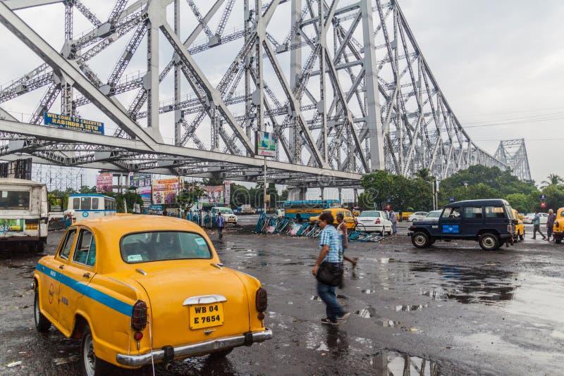 豪拉,印度- 2016年10月27日:豪拉大桥,在胡格利河的暂停的间距桥梁看法在西孟加拉邦 库存照片