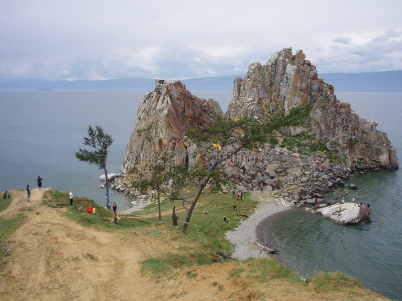 贝加尔湖湖岩石szamanka 免版税库存图片