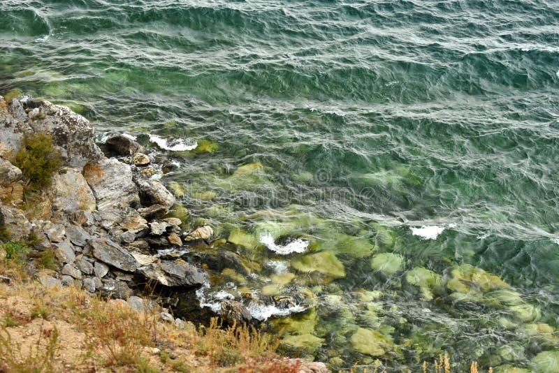 贝加尔湖绿松石水  库存图片