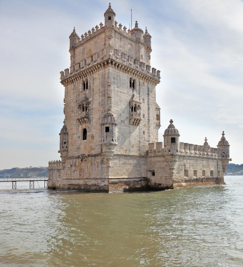 贝拉母著名摩尔人样式塔 免版税库存照片