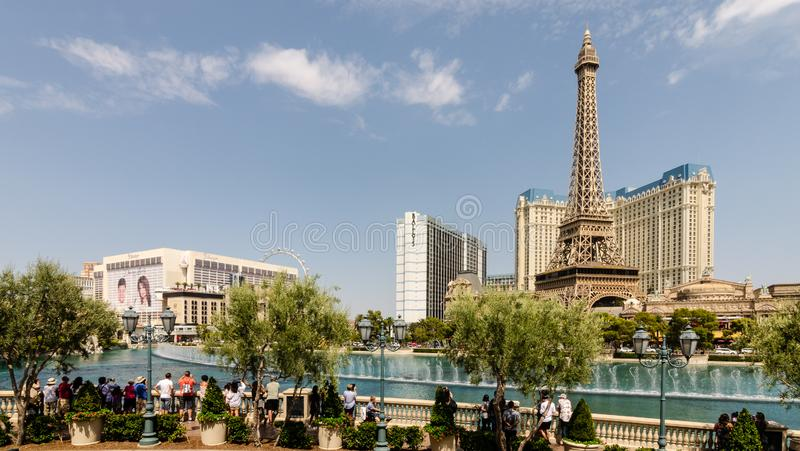 贝拉焦喷泉和巴黎酒店 免版税库存图片