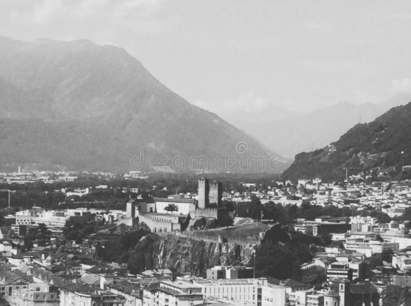 贝林佐纳的风景  小行政区提契诺州,瑞士 库存照片