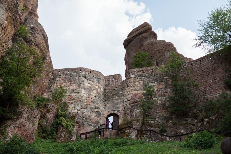 贝洛格拉奇克峭壁岩石和古老Kaleto堡垒 免版税图库摄影