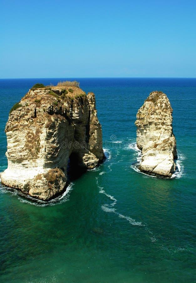 贝鲁特黎巴嫩鸽子岩石 免版税库存照片