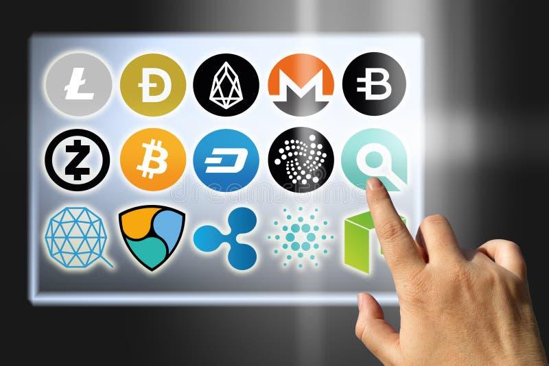 财政技术和互联网金钱交换率和硬币标志 免版税库存图片