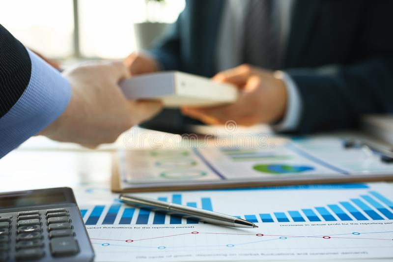 财政统计文件圆珠笔 免版税库存图片