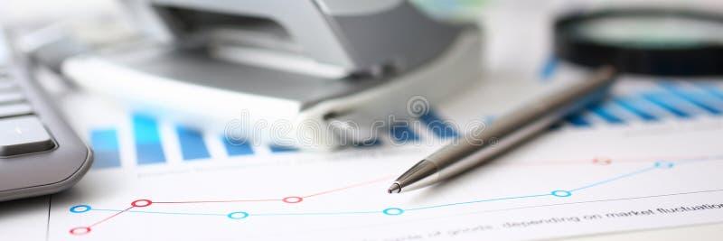 财政统计文件圆珠笔infographics 免版税库存图片