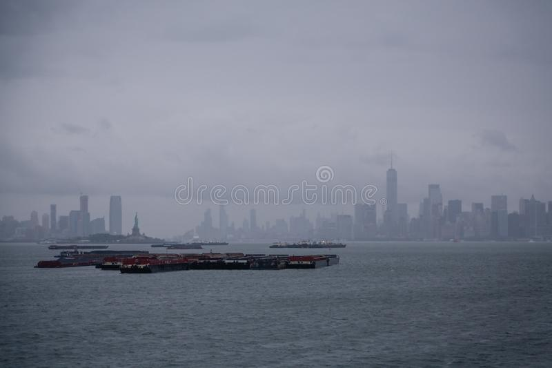 货物干涉纽约港口 图库摄影