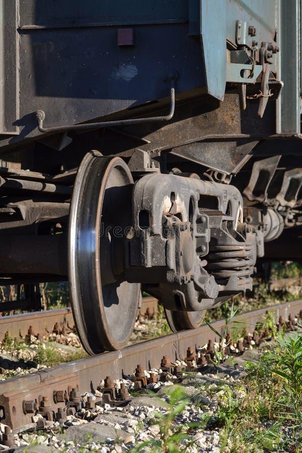 货物火车特写镜头的轮子 俄国 库存图片