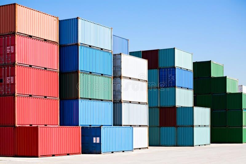 货箱运送港口终端 免版税库存图片