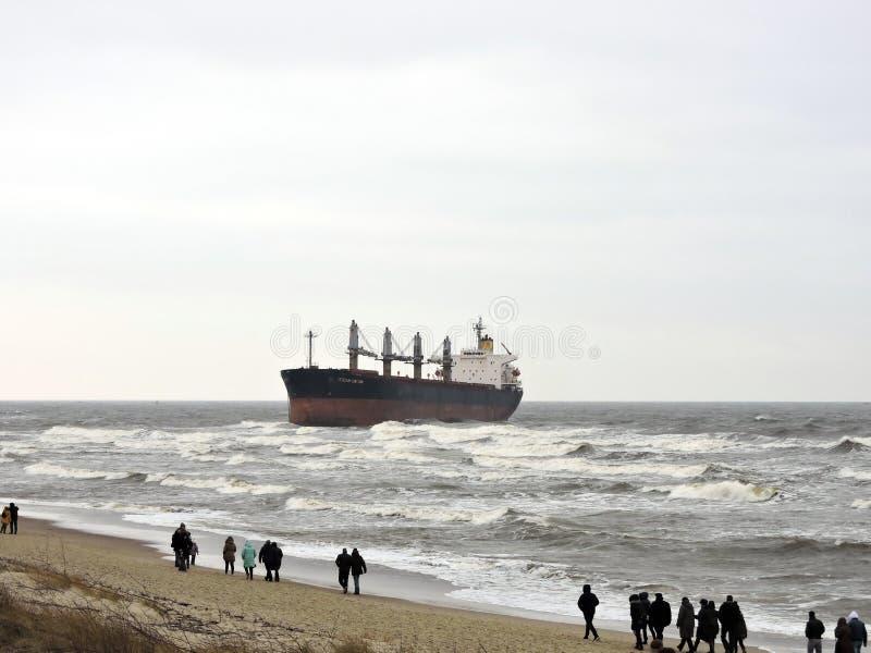 货船在克莱佩达口岸,立陶宛附近的波罗的海 库存图片