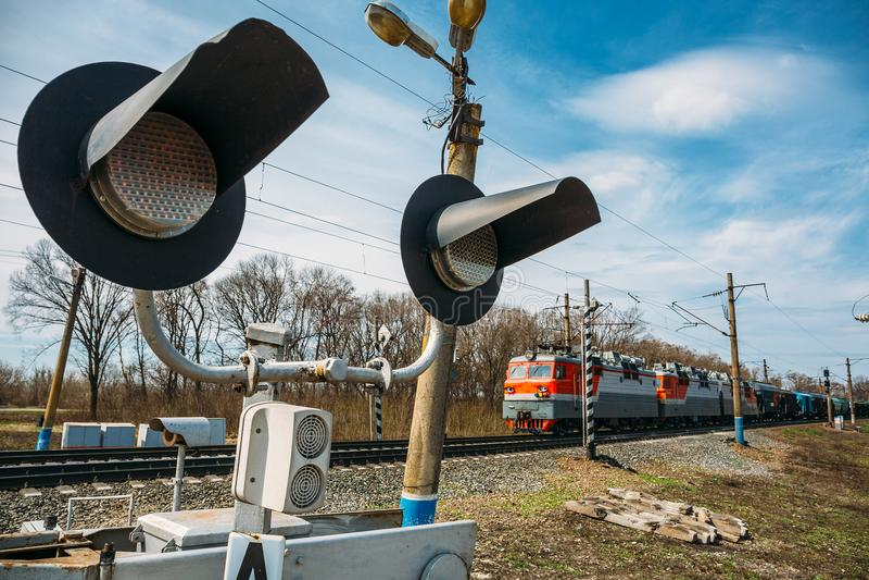 货车、铁货车、运输和铁路,后勤工业的运输 免版税库存照片