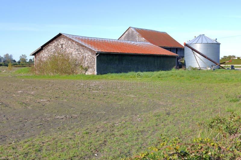 贫瘠农厂土地建筑 免版税库存照片