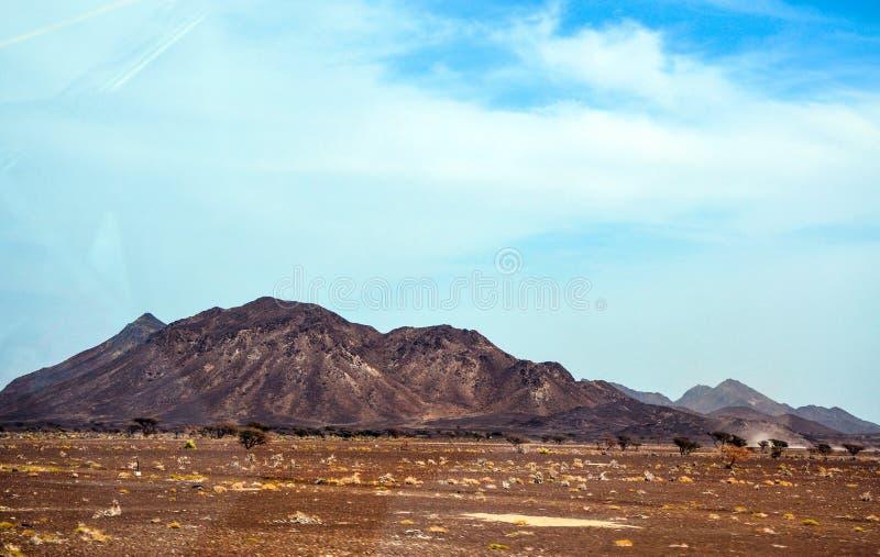 贫瘠山美丽的景色  库存图片