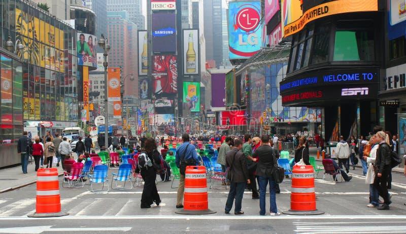 购物中心步行方形时间 免版税库存照片