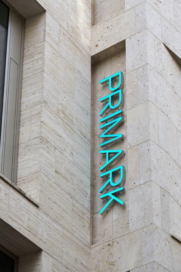 购物街道的Primark商店在莱比锡 免版税库存照片