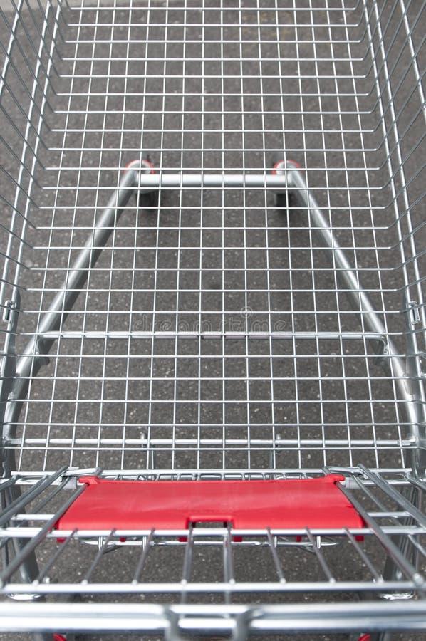 购物车空的购物超级市场 免版税库存图片