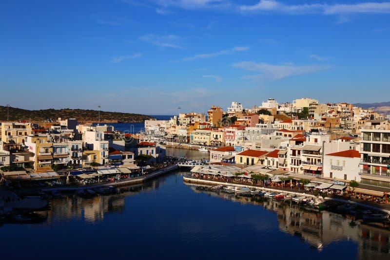 贴水克利特希腊nikolaos 贴水帕帕佐普洛斯是一个美丽如画的镇在海岛克利特的东部 免版税库存图片